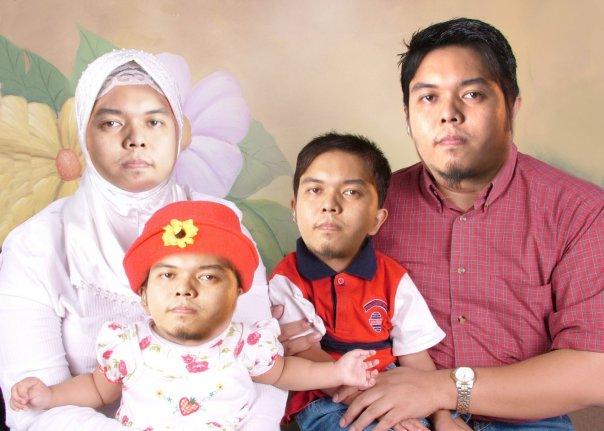 keluarga aneh