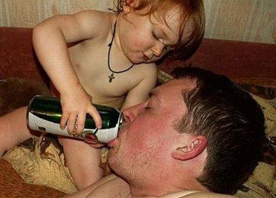yg gila bapaknya apa anaknya