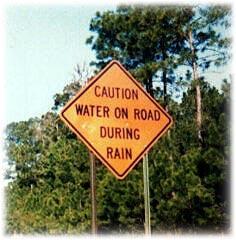 bila hujan ada air di jalan. ya eaaa laaaaaaa