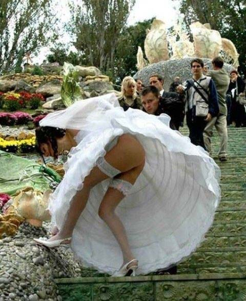 Photos_You_ll_Never_See_on_Your_Wedding_Album__15