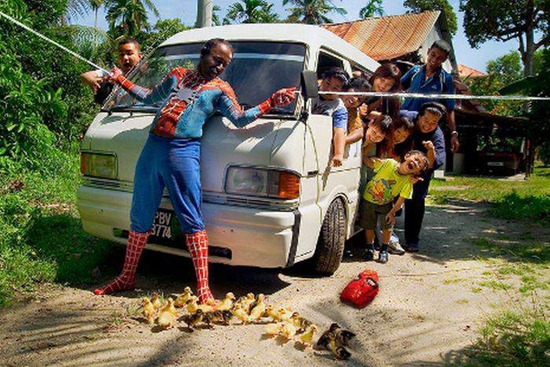 idekonyol] spiderman kampung